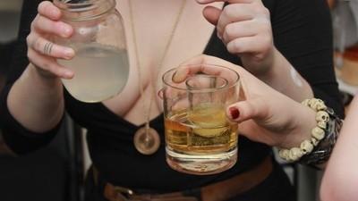 Cum să te îmbeți din cocktail-uri cu spermă