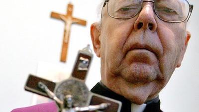 O Padre Amorth já fez mais de 70 mil exorcismos