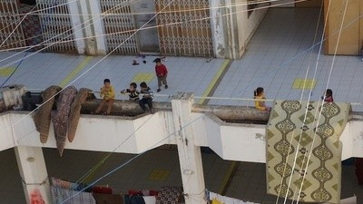 The Syrian Refugees Living in an Abandoned Lebanese Mall