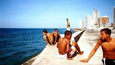 Amor y crimen en La Habana: Jineteros, chicos del malecón