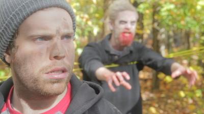 Ne-am antrenat la tabăra de supraviețuire împotriva zombilor
