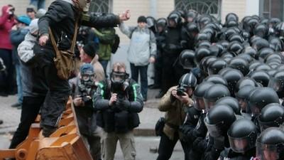Cientos de miles de personas intentaron tomar el control de Kiev