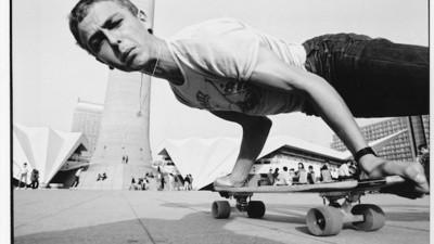 Securiştii din Germania de Est îi spionau pe skateri şi pe punkeri