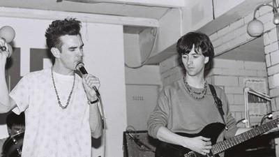 Sam Knee tiene increíbles fotos de grupos ingleses de los años 80