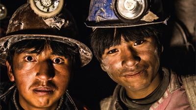 Niños trabajadores del mundo, ¡uníos!