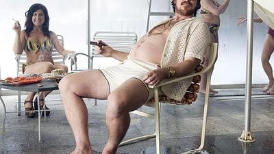 Christian Bale está preñado