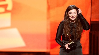 "News Of Zealand: Hail Lorde, Beating Kids At Cricket, And Media ""Leaks"""