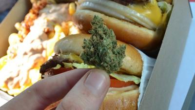 Por qué fumar hierba da tanta hambre