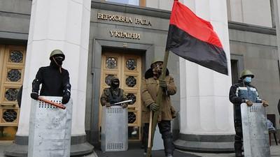 El presidente de Ucrania fue expulsado del poder