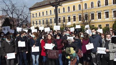 De ce pleacă medicii rezidenţi din România?