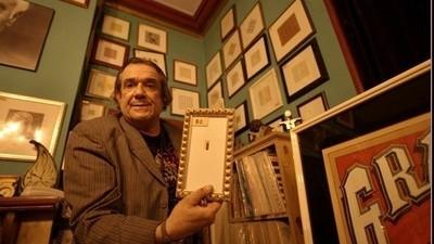 Mark McCloud heeft 30.000 LSD-zegels in huis