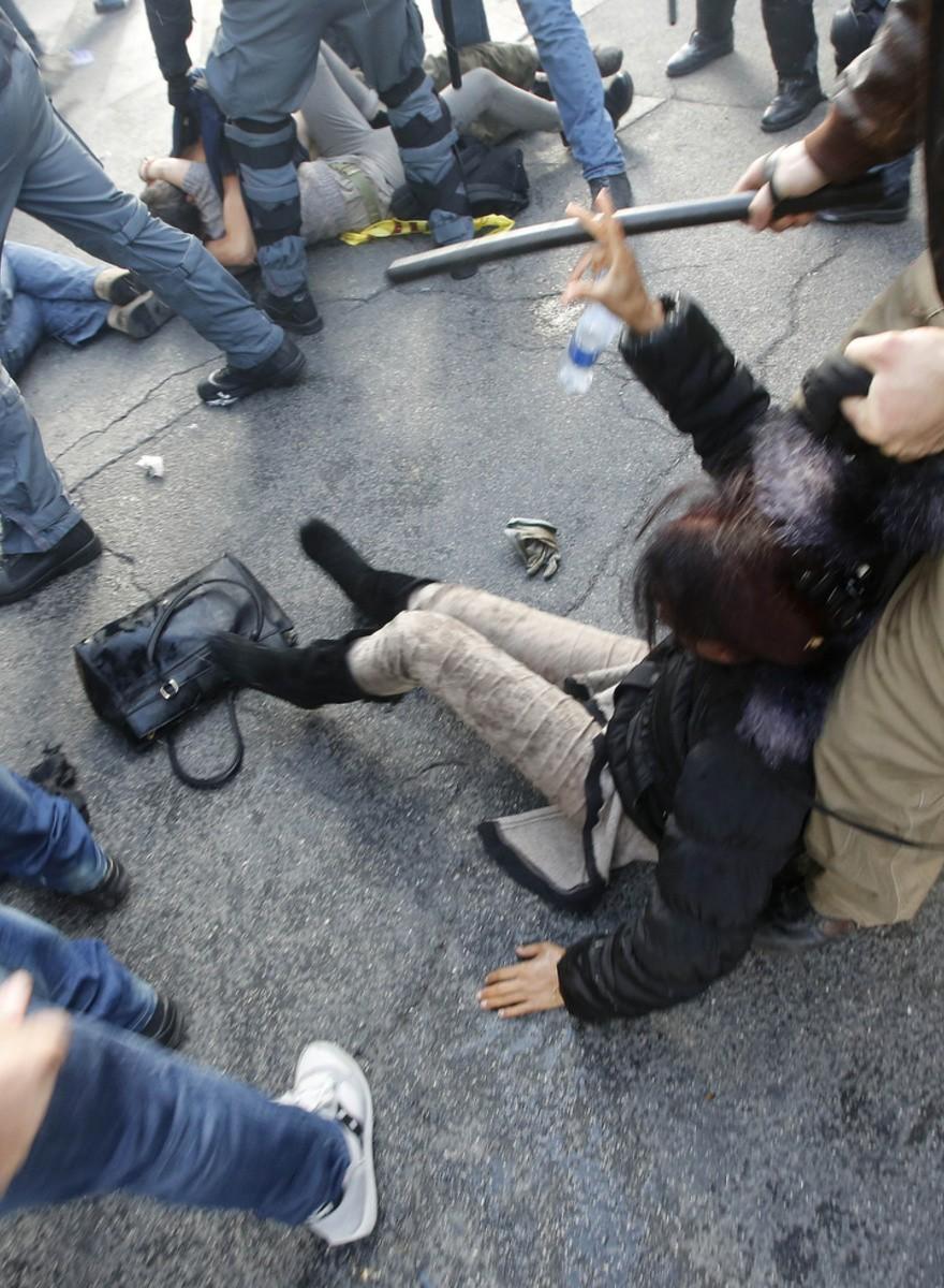 Los disturbios durante las protestas antiausteridad en Roma