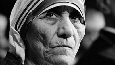 La Madre Teresa pudo haber sido una farsa, y como ella, varios santos más