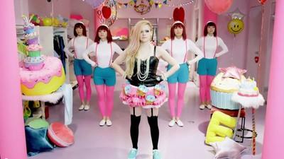 Hello Kitty! Hat Avril Lavigne endlich ihre wahre Bestimmung gefunden?