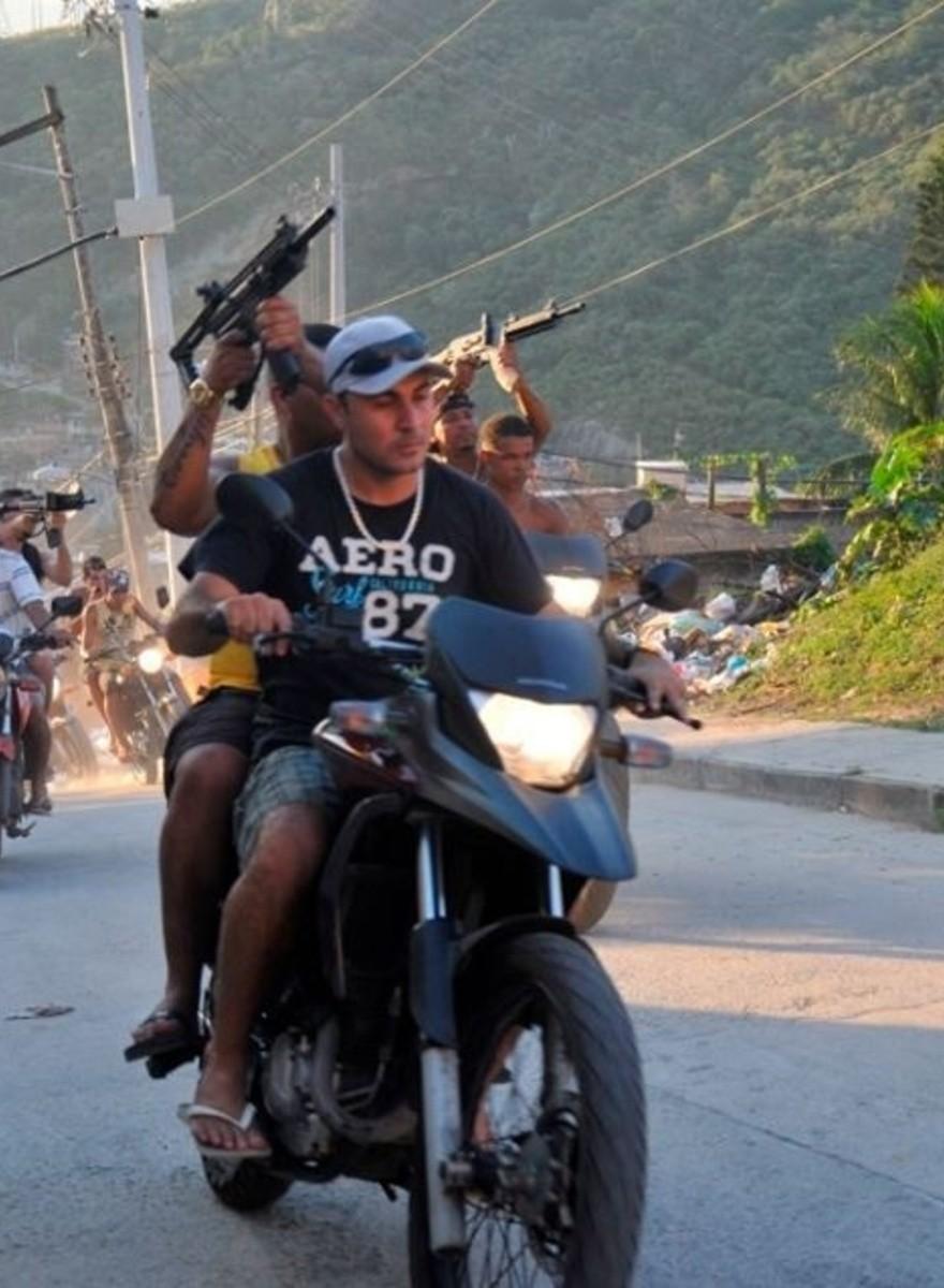 A los narcos de Brasil les encantan las redes sociales