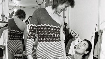 El genio detrás de los mejores trajes de David Bowie
