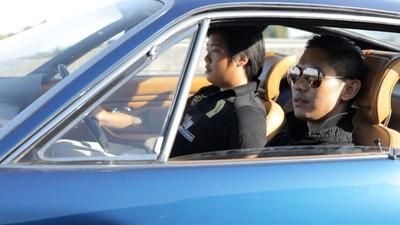 En Ferrari con los partidarios del rey de Tailandia