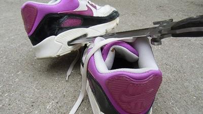 Sneakerverwoesting is de nieuwste seksuele fetisj