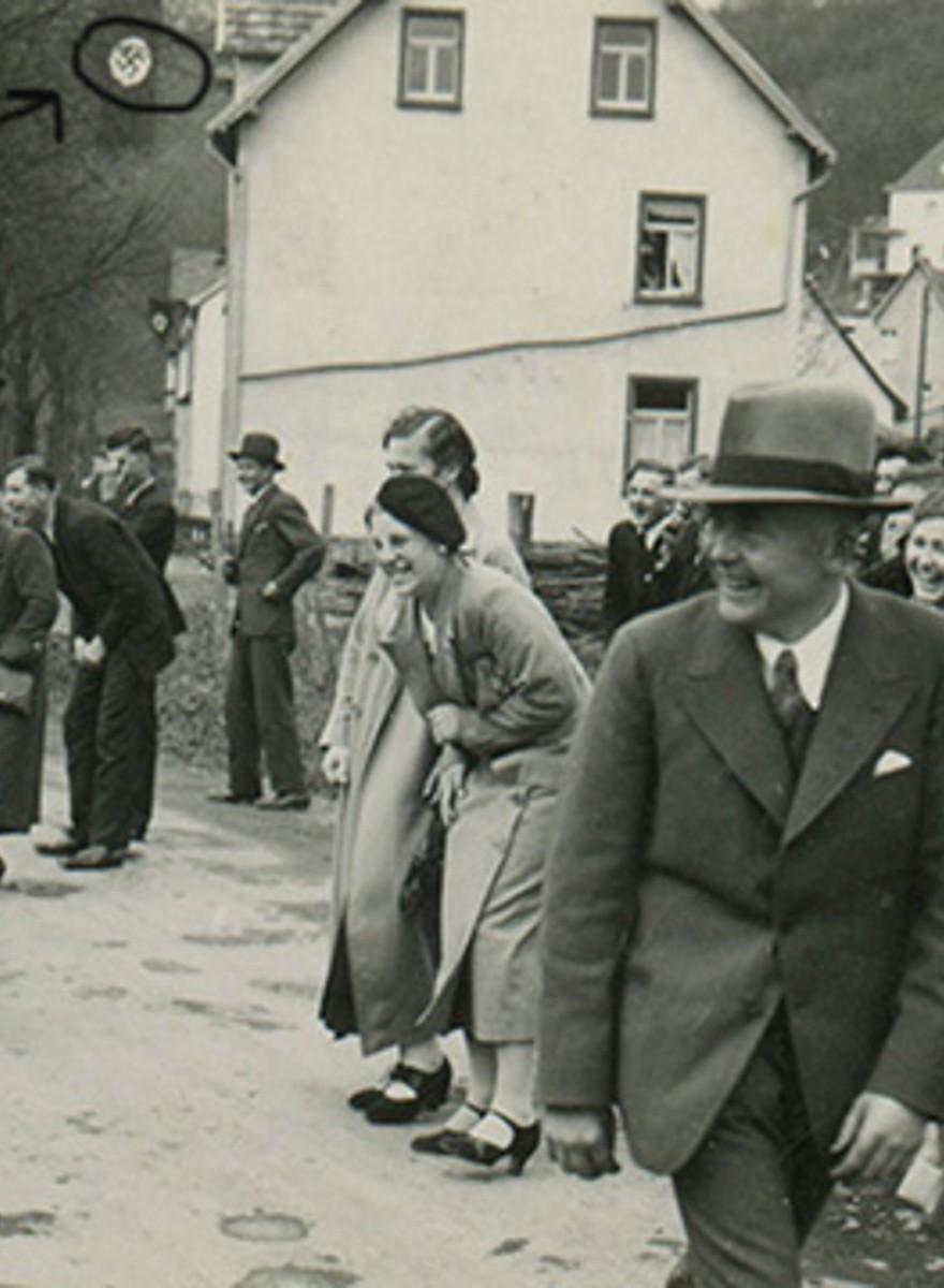 Deze foto's laten nazi's van hun menselijke kant zien
