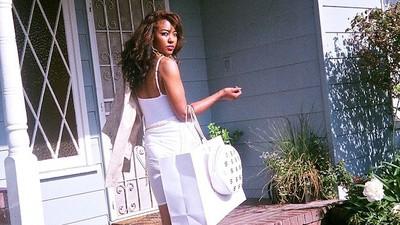 Hood Housewife