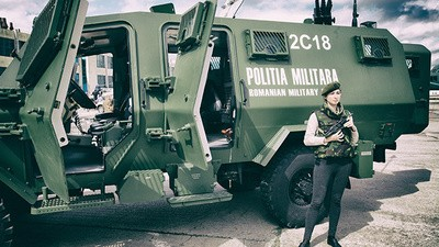 Babes and Dated Machine Guns at the 'Black Sea Defence' Convention