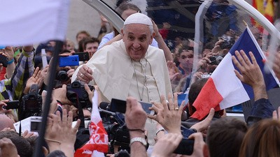 Pope to Soccer Fans: 'Stop Being Racist'
