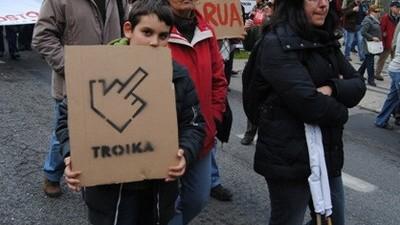 Que se Lixe a Troika: um movimento em negação
