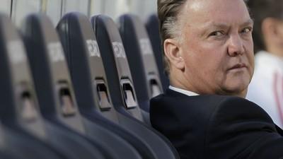 O Van Gaal é um tirano e um tarado completo, mas a Copa agradece