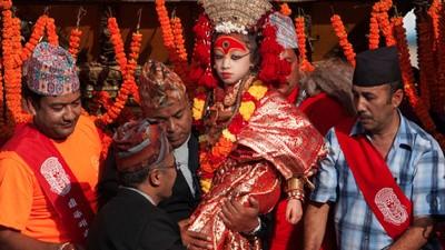 We ontmoeten de levende godinnen van Nepal
