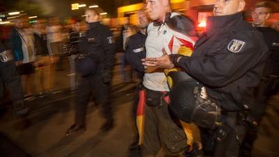 A Alemanha Comemorou a Vitória na Copa do Mundo com Fogos de Artifício e Muita Buzina