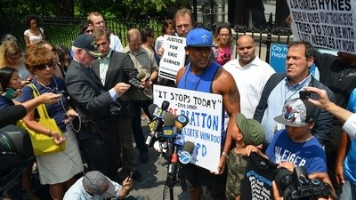 NYPD and EMS Workers Failed to Help Eric Garner After Cop Choked Him