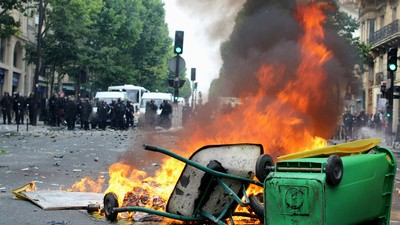 Pro-Palestine Protests Descended Into Anti-Semitism in Paris This Weekend