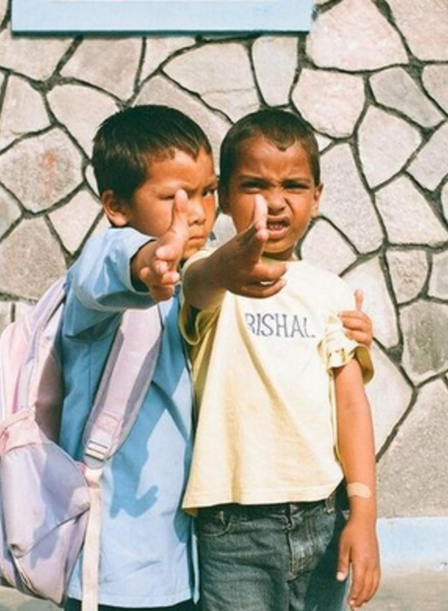 Foto da un orfanotrofio nepalese corrotto