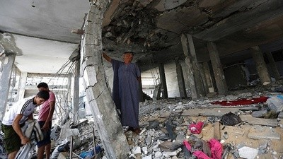 Should We Look at and Share Photos of Dead Civilians in Gaza?