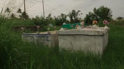 Ebola, gezongen advies en lijkenroof in Liberia
