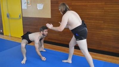 À la rencontre des combattants du Paris Sumo Club