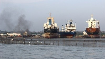 Visiting the Deadly Shipbreaking Yards of Bangladesh