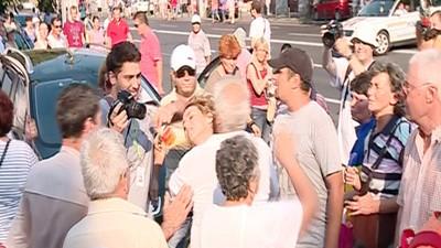 Pensionarii au făcut pogo cu mine la protestul Antena 3