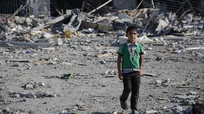 Os palestinianos continuam à procura dos corpos dos seus familiares
