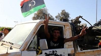 Libyan Islamist Militiamen Seized Tripoli Airport and Set Fire to It