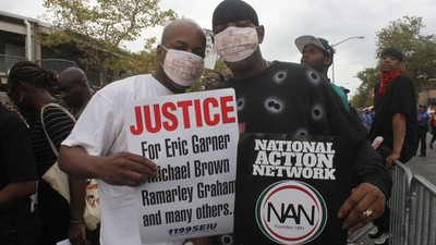 Politicians and Police Celebrate the 'Right Way' to Protest Police Brutality