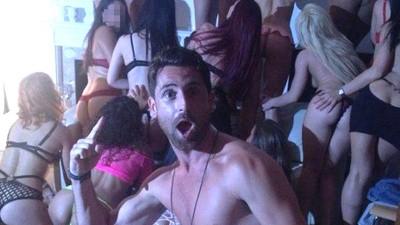 """Chris Reynolds monta las fiestas sexuales """"de élite"""" más bestias de Londres"""