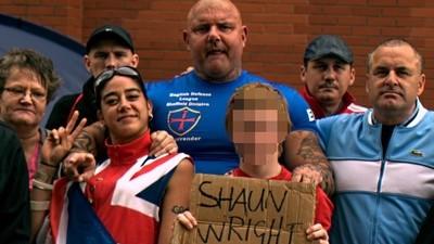 Wie englische Nationalisten sich an einem Missbrauchs-Skandal hochziehen