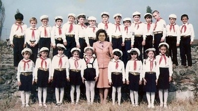 Epopeea lui Victor Viorel Ponta, Stăpânul Suprem al Socialismului