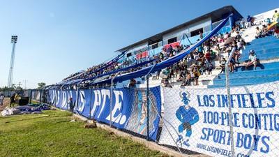 El día que Evo Morales casi jugó futbol profesional