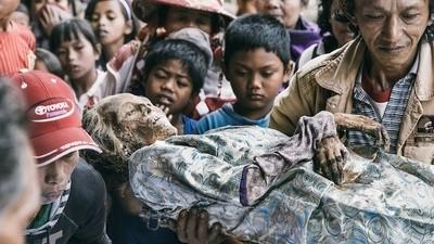 I Toraja vogliono un gran bene ai loro morti