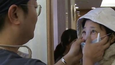 Los padres surcoreanos obligan a sus hijas a someterse a operaciones de cirugía plástica