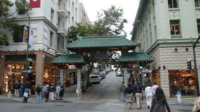 A Tour Guide in San Francisco Really Hates Chinatown (and Chinese People!)