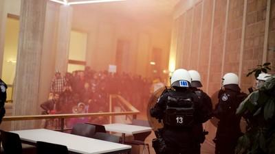 Un grupo de estudiantes intentó echar de la Universidad de Zúrich al jefazo de la FIFA, Sepp Blatter