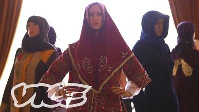 La moda en Irán florece bajo la ley de la sharía